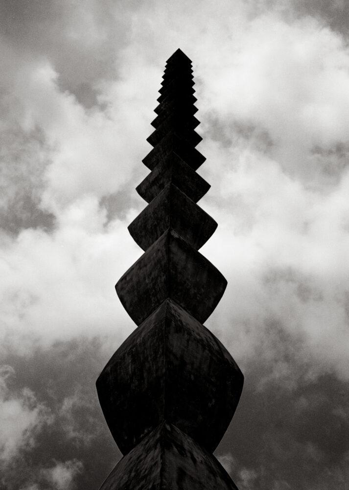 La colonne sans fin I - Galerie Negropontes